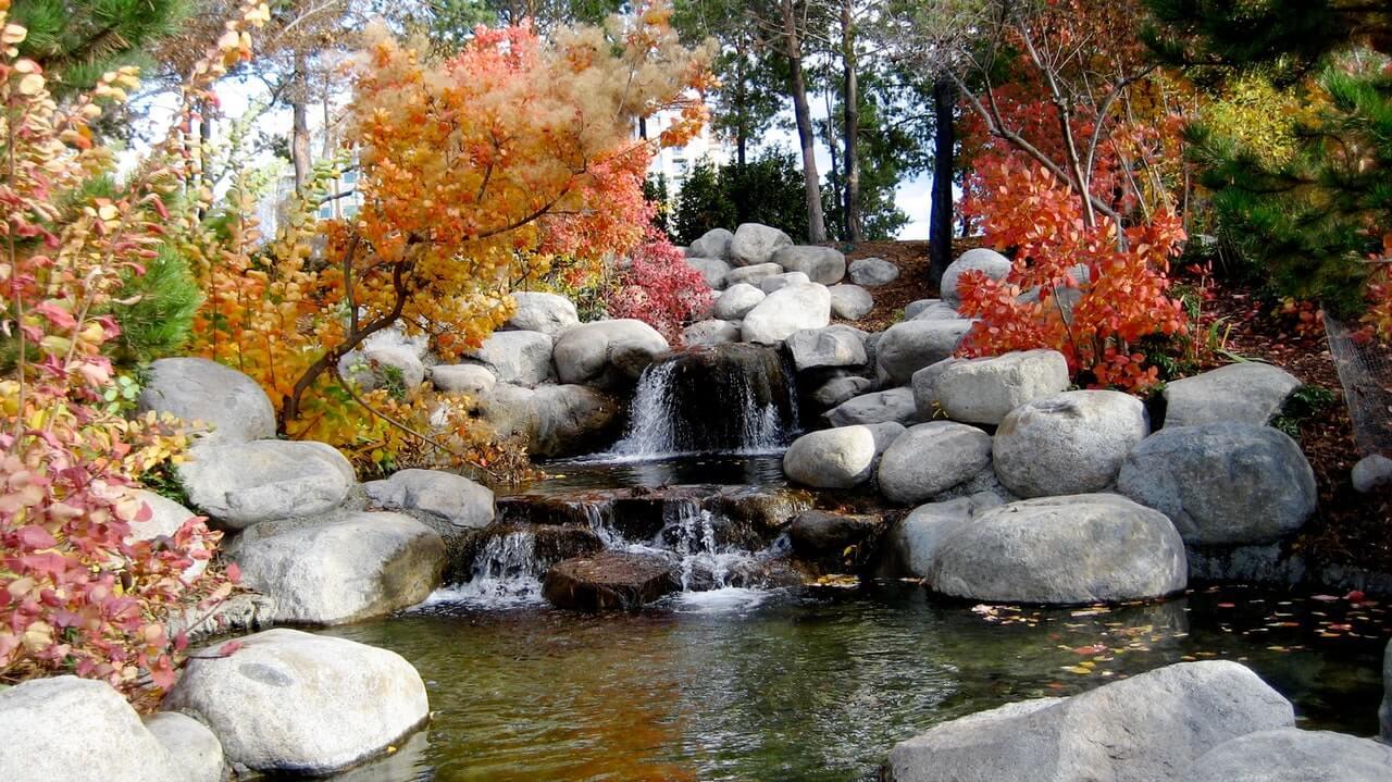 Fall hike with babbling brooks and fall foliage